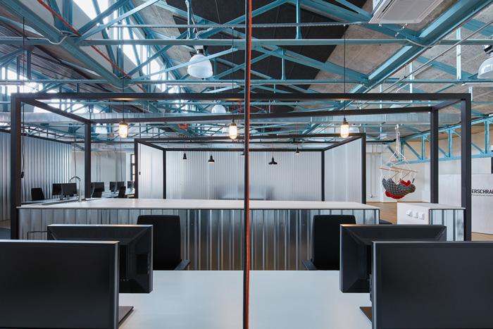 办公室装修工程提醒:如何做厨房空间规划配置?
