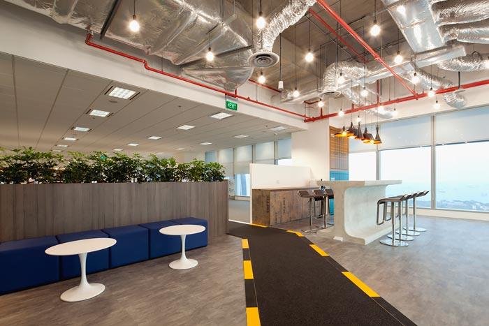 个性办公室设计方案中关于形象墙的摆放